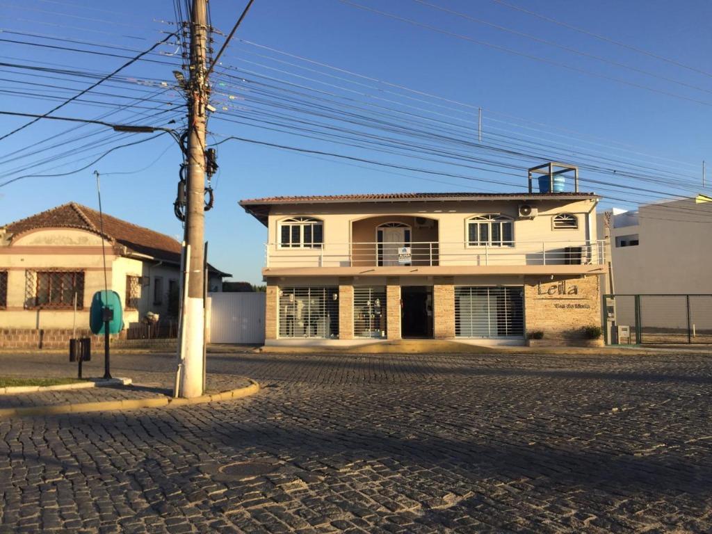 Casa com 4 dormitórios para alugar, 280 m² por R$ 2.200,00/mês - Centro - Tijucas/SC