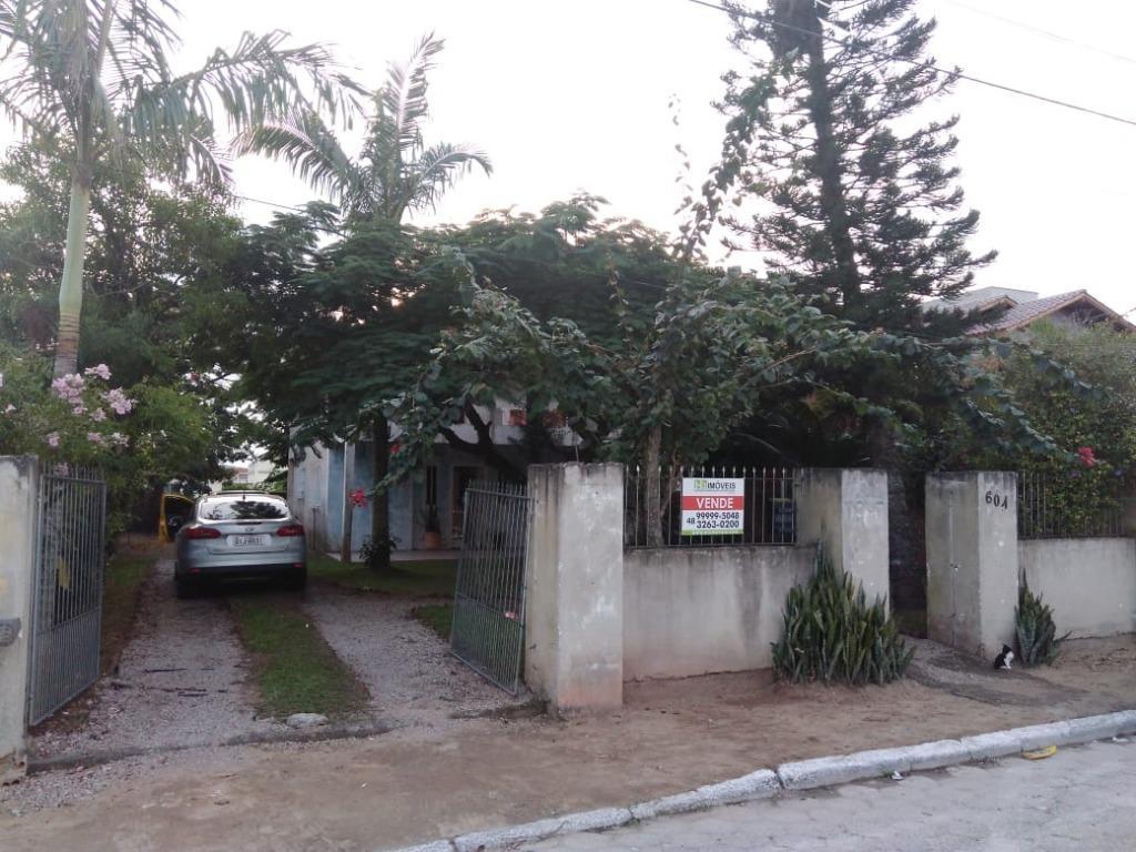 Casa à venda com 300 m² contendo 4 dormitórios, 2 banheiros