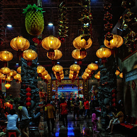 decoration by Hartono Wijaya  - Buildings & Architecture Other Interior ( makassar, decoration, art, chinatown, lanterns, street photography, temple, cultural heritage, indonesia, artistic, place of worship, lamp, artistic objects, light, chinese new year, travel photography, culture )