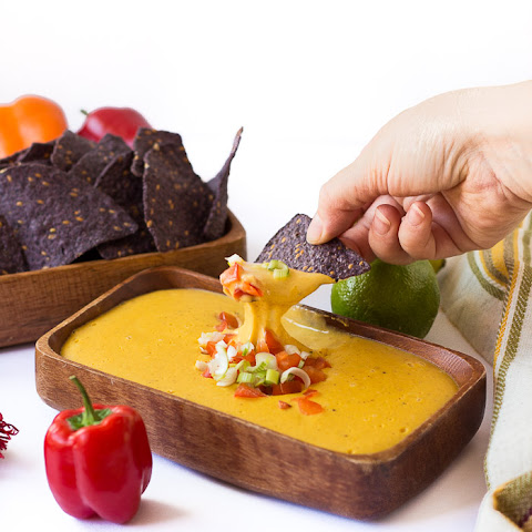 Vegan Nacho Cheese Sauce (Gluten-free, too!)