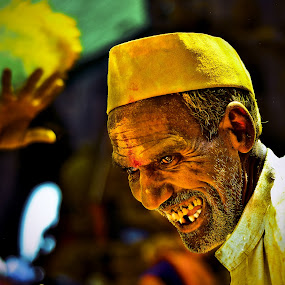 Yellow smile by Milind Shirsat - People Street & Candids ( temple, travel, yellow, smile, man )