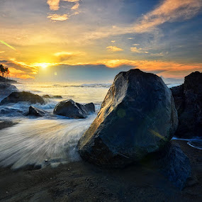 Big Stones by Hendri Suhandi - Landscapes Sunsets & Sunrises ( bali, manyar, rock, sunrise, beach, stones )