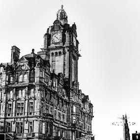 The Balmoral Hotel by Alexandre Rios - Black & White Buildings & Architecture ( photooftheday, edinburgh, scotland, picoftheday, amazing, bestoftheday, urban exploration, uk, hotel, construction, black and white, travel, photography, street photography, architecture )