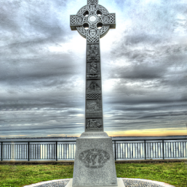 Fisherman's Celtic Cross by Lawrence Ferreira - Buildings & Architecture Statues & Monuments ( rememberance, memorial, park, celtic, contemplative, celtic cross, seaside, cross, momument )