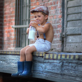 Breakfast... by Piotr Owczarzak - Babies & Children Children Candids ( milk, drink, cute, young, boy )