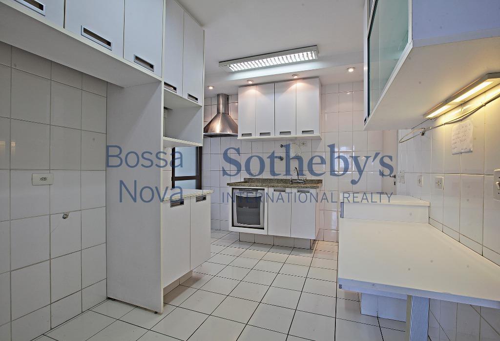 Apartamento em excelente localização e ótima planta.