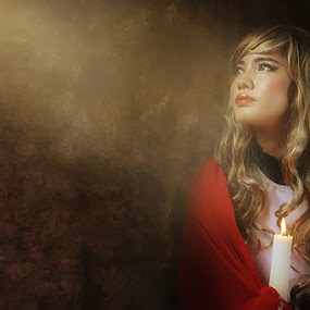 the light by Yenni Sumita - People Portraits of Women