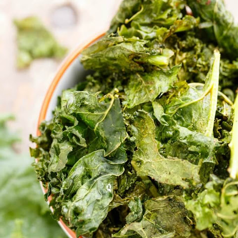 Coconut Oil Kale Chips