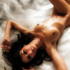 Charlie Reclines by Ian Cartwright - Nudes & Boudoir Artistic Nude ( home, art nude, stock, nude, naked, liberated ladies )