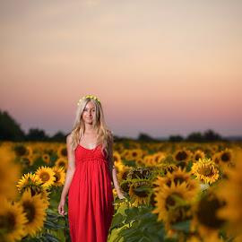 Girl of sunflower ... by Joita Gigi - People Portraits of Women ( red, girl, sun flower, summer, yellow, beauty )