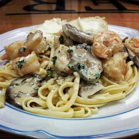 Shrimp and Mushroom Linguine with Creamy