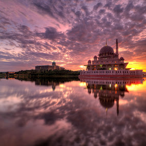 Sunrise at Masjid Putra by Nadly Aizat Nudri - Landscapes Waterscapes ( hdri, waterscape, sunset, putrajaya, malaysia, sunrise, landscape, masjid putra )