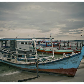 Traditional boat on the beach kelayan by Wahyu Fathor - Transportation Boats