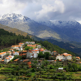 Pequena aldeia by Gil Reis - Landscapes Mountains & Hills ( hills, mountains, nature, travel, portugal )