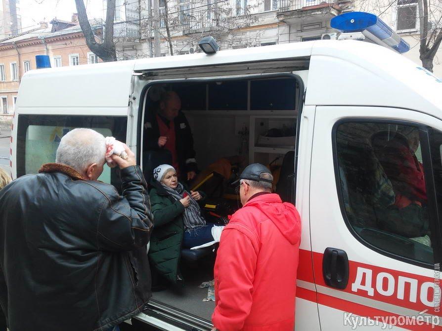 В Одессе трамвай загорелся на ходу, есть пострадавшие (фото) (видео)