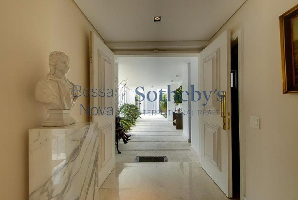 Magnífica casa elegante e espaçosa em local nobre