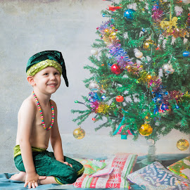 Christmas by Susan Van Wyk - Public Holidays Christmas ( lights, tree, green, christmas )
