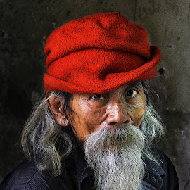 Grandpa Rosadi by Ari Wid - People Portraits of Men ( rosadi, grandpa, kakek, grandfather, engkong, ngkong,  )
