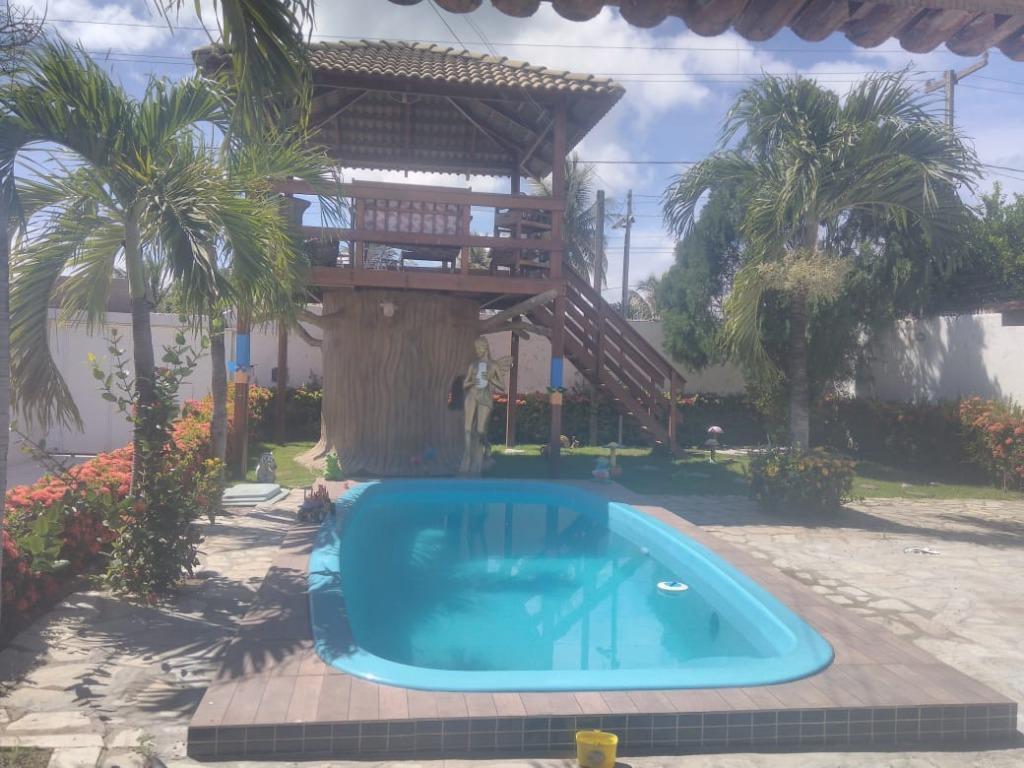 Casa 4 quartos, espaço kids, piscina, churrasqueira espaço gourmet, mirante no centro de Jacumã.