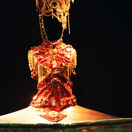Doina Levintza exibition by Cosmin Tomescu - Artistic Objects Clothing & Accessories ( costumes, red, theatre, theater, golden,  )