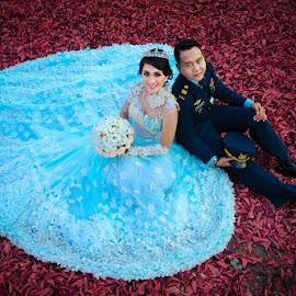 by Alfa Oldicius - Wedding Bride & Groom