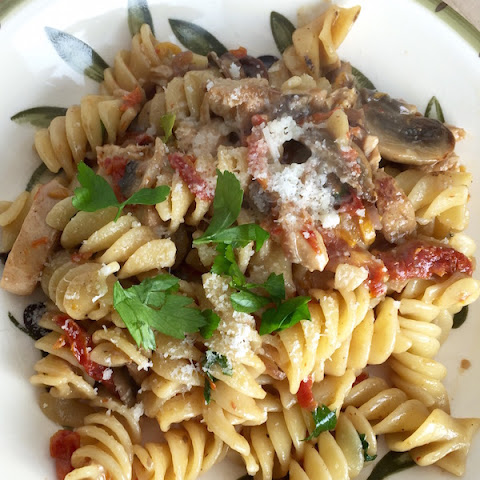 Fusilli with Chicken, Mushrooms and Sun Dried Tomatoes
