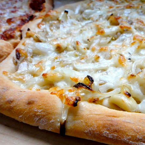 Oven Baked Onion Cheese Pizza