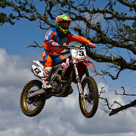 by Mike Ross - Sports & Fitness Motorsports ( northampton, mud, motocross, mike ross, milton malsor )