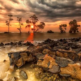 Senja di Carita by Mc Pujiyanta - Landscapes Sunsets & Sunrises ( waterscape, sunset, carita, seascape, landscapes, landscape,  )