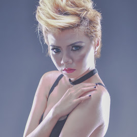 by Ervin Zhou - Nudes & Boudoir Boudoir
