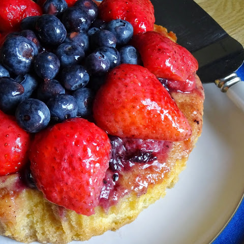 Berrytastic Strawberry and Blueberry Cake