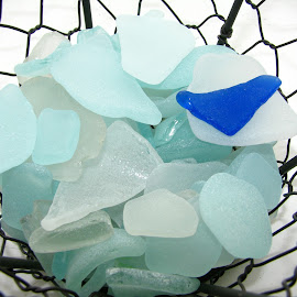 Sea glass by Vali Tina - Artistic Objects Glass ( sea glass white broken pieces )