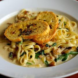 Pasta by Mulawardi Sutanto - Food & Drink Plated Food ( mantap, lezat, pasta, travel, food )