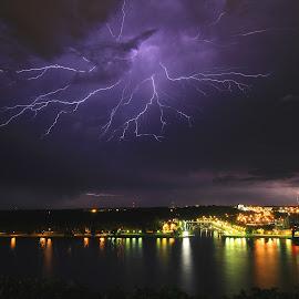 by Jeff Whitten - Landscapes Weather ( lightning, thunderstorm )