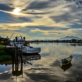 Waterfront,Kuching. by Sim Sherina - Landscapes Travel ( reflection, sky, sunsets, beautiful, holidays, travel, landscapes, rivers, photography,  )