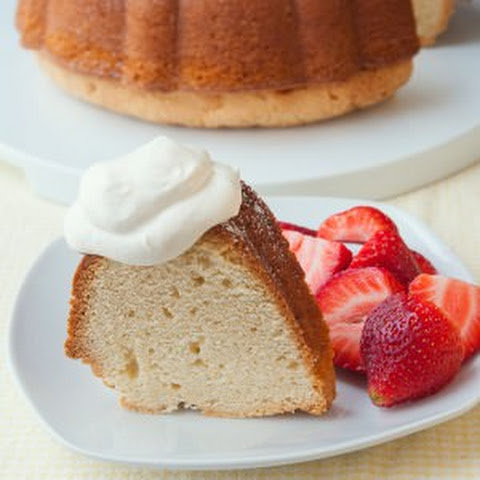 The Best Vanilla Pound Cake