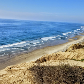 San Diego Cliffs by Stephanie Lynn - Landscapes Beaches ( water, sand, san diego, waterscape, waves, ocean, beach, relax, tranquil, relaxing, tranquility )