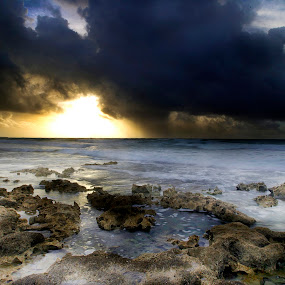 Strom  and sunrise by Cristobal Garciaferro Rubio - Landscapes Weather ( shore, water, sand, mexico, cozumel, sea, seascape, storm, rocks )