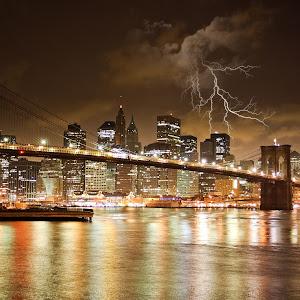 Puente Brooklyn Moon rayo sin luna.jpg