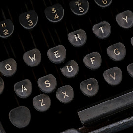 Qwerty by Jeremy Mendoza - Artistic Objects Antiques ( qwerty, keyboard, old, vintage, typewriter )