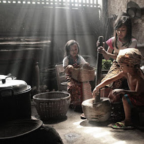 working together by Budi Cc-line - Babies & Children Children Candids