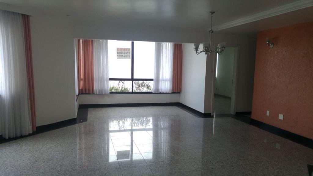 Apartamento 4 quartos, 1 por andar