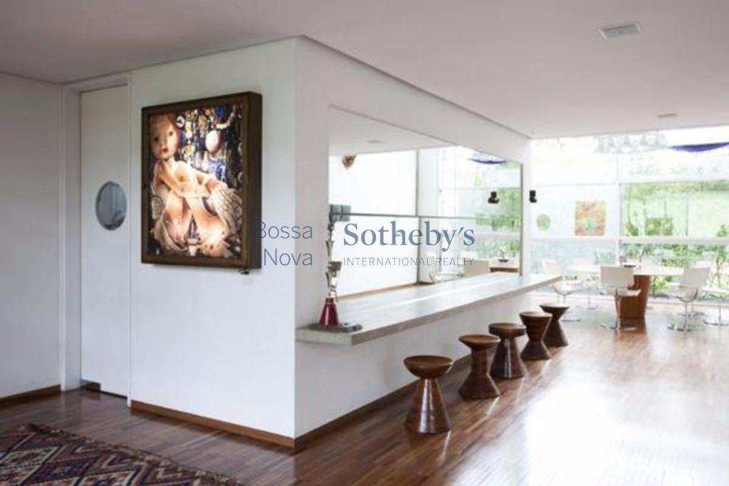 Casa contemporânea para locação e venda com mobília