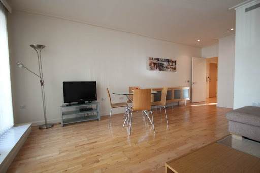 South Quay Serviced Apartments