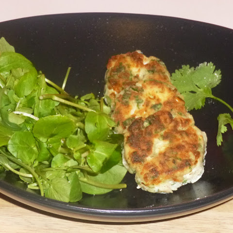Homemade Lemon and Coriander Crab Cakes Salad