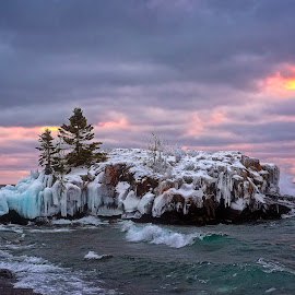 Hollow Rock by Mike Woodard - Landscapes Caves & Formations ( hollow rock, lake superioir, lake superior )