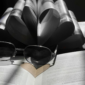 The heart by Fawad Hashmi - Artistic Objects Other Objects ( amatuer, ring, books, reading, creative, still life, simple, pages, education, fire, business, love, school, sabree, light, shapes geometric patterns ,  )