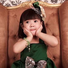 by Hansen Christian - Babies & Children Child Portraits
