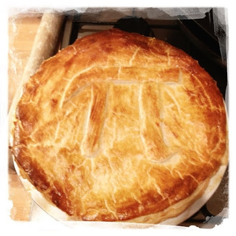 Cheese, red onion, leek & potato pie (Photo illustrated)