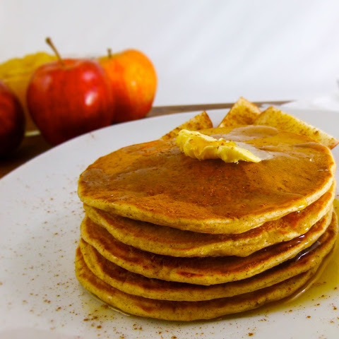 Apple Spice Pancakes {with Homemade Pancake Mix}